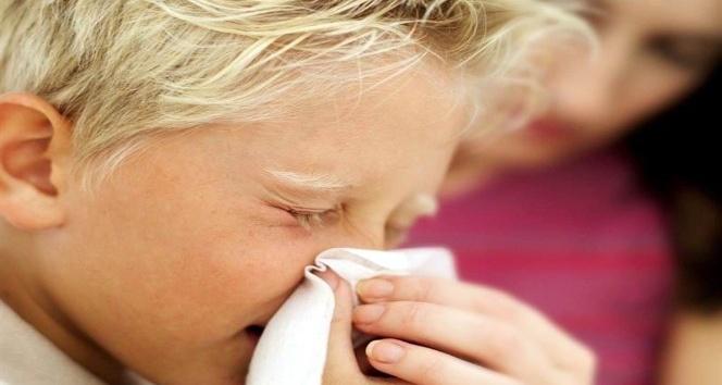 """Karaarslan; """"Risk grubundaki kişilerin grip aşısı yaptırmalarını öneriyoruz"""""""