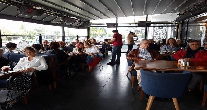 Eskişehir Toplum ve Sanat Derneği üyeleri 'Güz Kahvaltısı'nda buluştu