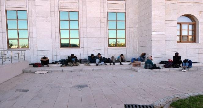 Hatay'da 17 mülteci yakalandı