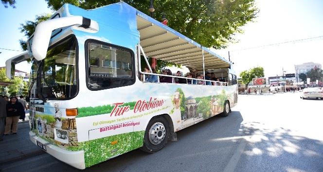 Tur otobüsü ile 15 bin 437 kişi tarihe yolculuk yaptı