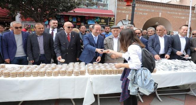 Edirne Belediyesi'nden aşure ikramı