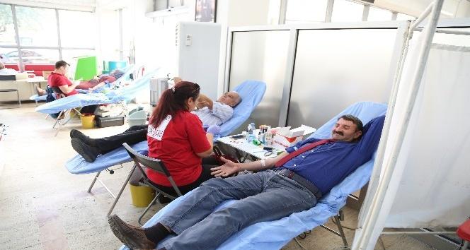 Efeler Belediyesi'nden Kızılay'a 30 ünite kan bağışı