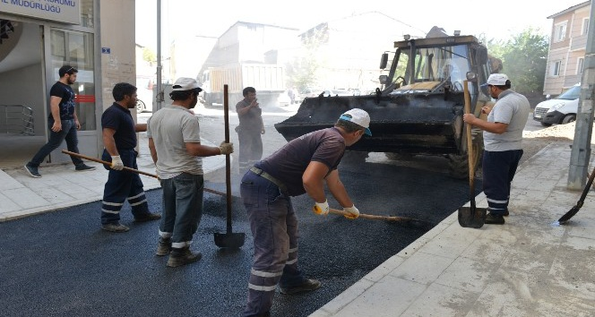 Yakutiye Belediyesi 2017 yazında 1,5 milyon ton asfalt attı