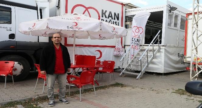 Türk Kızılay tırı Varto'da kan toplamaya başladı