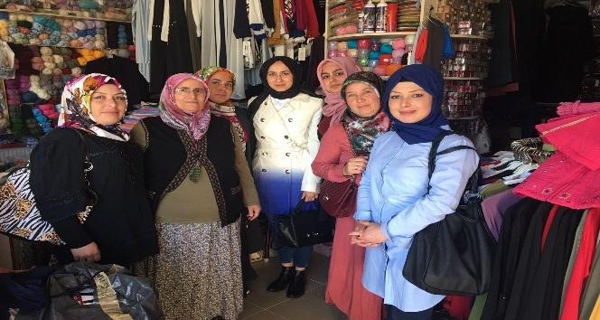 Ak Parti Günyüzü İlçe Kadın Kolları yöneticilerinin esnaf ziyareti