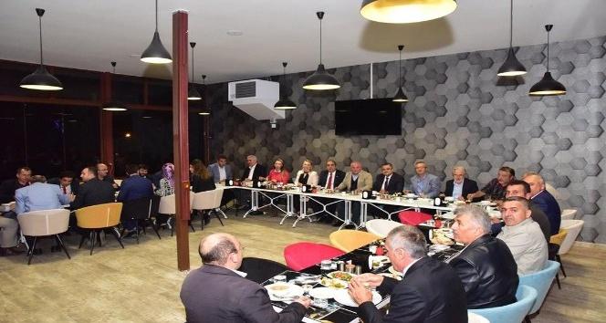 Belediye Meclis üyeleri yemekte buluştu