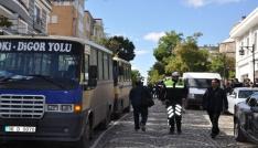 Dolmuşçular belediye önünde eylem yaptı
