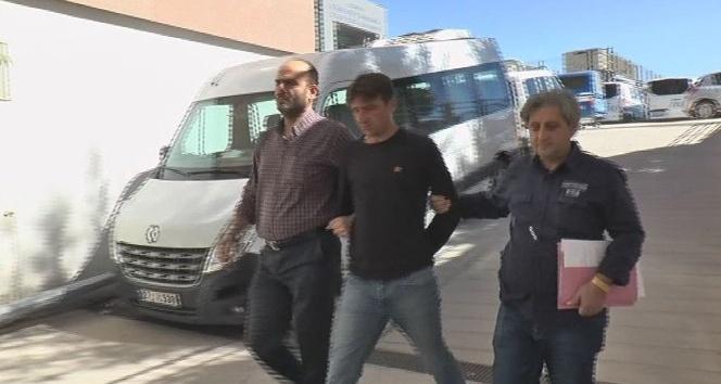 Gaziantep'te karısını çocuğunun önünde bıçaklayan şahıs mahkemeye çıkarıldı