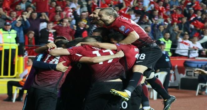 A Milli Futbol Takımı, Eskişehir'i seviyor