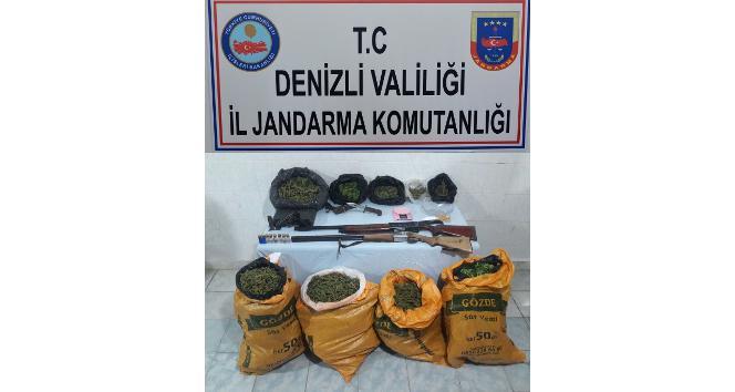 Jandarmadan uyuşturucu operasyonu: 3 kişi tutuklandı