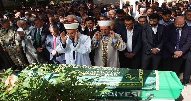 Hafız Ali Saraçoğlu, son yolculuğuna uğurlandı