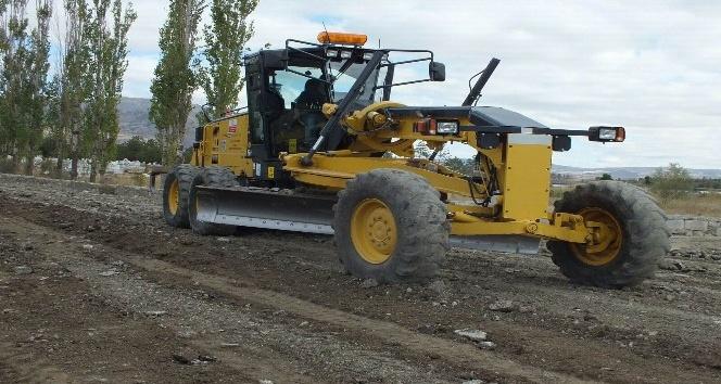 Ulaş'ta köy yolları onarılıyor