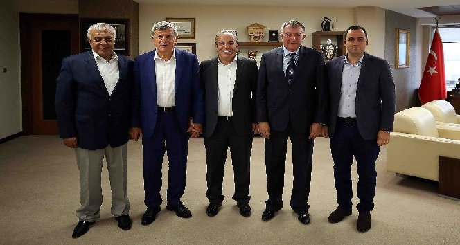 Başkan Karaosmanoğlu, Erzincanlıları konuk etti