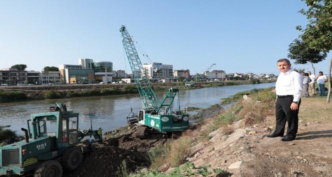Elekçi Irmağı temizleniyor