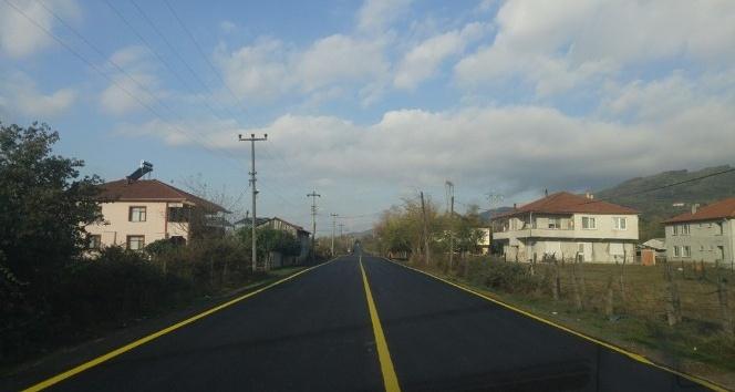 Düzce'de köy yolları asfaltlanıyor