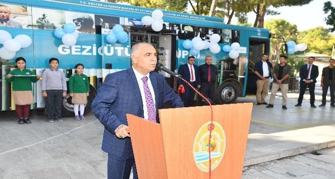 Denizli'de gezici kütüphane açıldı