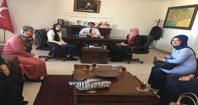 AK Parti Günyüzü Kadın Kollarından Kaymakam Göçer'e ziyaret