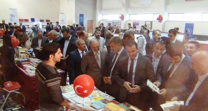 Erciş'te 3. edebiyat şöleni ve kitap günleri etkinliği başladı