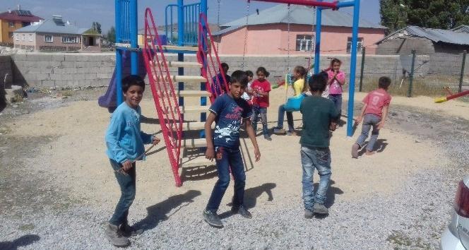 Çaldıran'da 20 çocuk eğlence parkı hizmete sunuldu