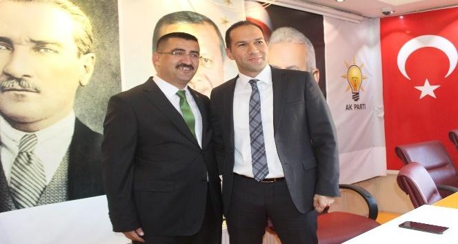 Niğde AK Parti Niğde İl Başkanlığında devir teslim töreni
