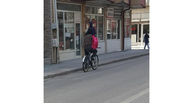 Okul servisi değil bisiklet
