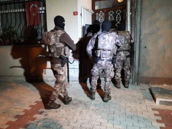 Bakırköy'de uyuşturucu tacirlerine operasyon