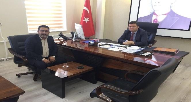AK Parti Bağlar İlçe Başkanı Gezer, Toğan'ı ziyaret etti