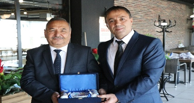 Türk Metal Sendikası üyelerinin emeklilik heyecanı