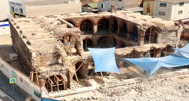 Tarihi camiler restore ediliyor
