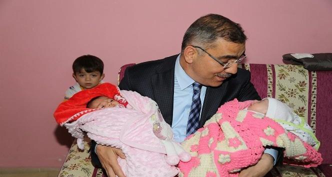 Yüreğir'de 17 bin yeni doğan bebek, evinde ziyaret edildi