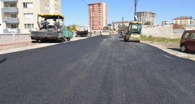 Battalgazi mahallesinde yollara 5 bin 200 ton asfalt serildi