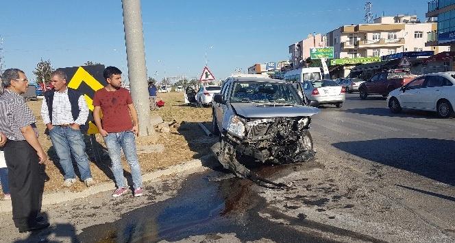 Araçların hurdaya döndüğü kazada kimsenin burnu bile kanamadı