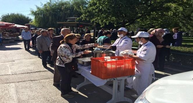 Odunpazarı Belediyesi 3 bin vatandaşa aşure dağıttı