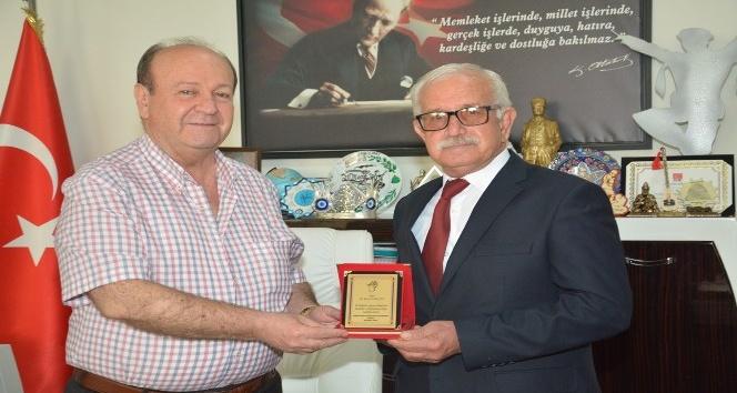 Aydın Kafkas Kültür Derneği'nden Başkan Özakcan'a plaket