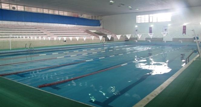 Kapalı Yüzme Havuzu kış sezonunu açtı
