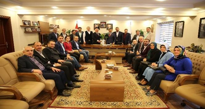 Başkan Karabacak AK Parti ilçe yönetimini ağırladı