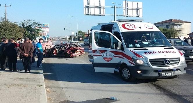 Kamyonla otomobil çarpıştı: 3 yaralı
