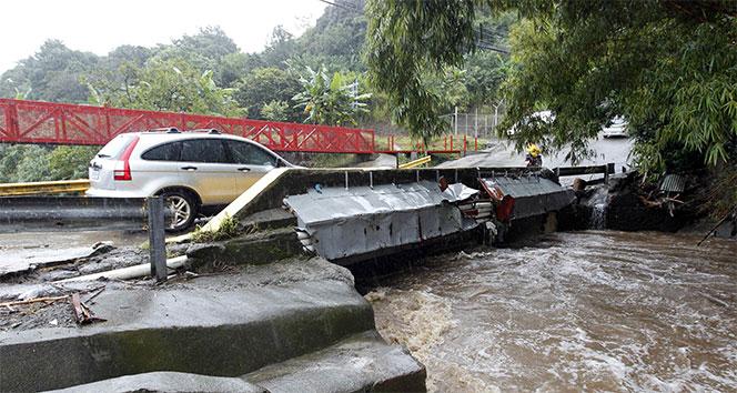 Orta Amerikada tropik fırtına: 22 ölü