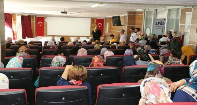 TOGEM'den 600 öğrenciye kırtasiye yardımı
