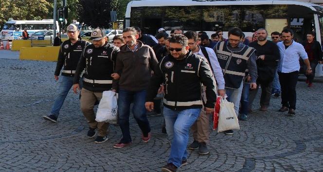 Bursa'da Bylock kullanıcısı 17 kişi adliyeye sevk edildi