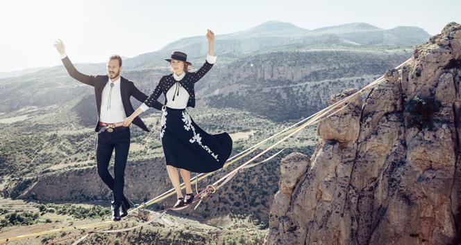 243 metre yükseklikte moda çekimi