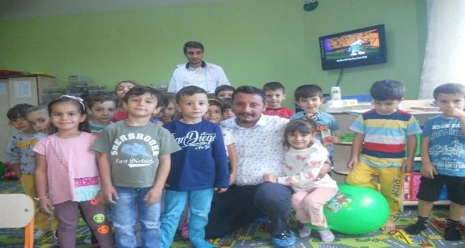 Akcan'dan anaokuluna oyun grubu yardımı