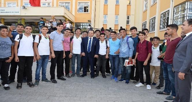 Yıldız, İMKB Anadolu Lisesi ve çevresinde denetlemede bulundu