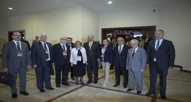 Uluslararası İlaç Sempozyumu Atatürk Üniversitesinde başladı