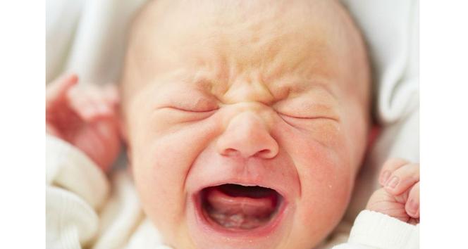 Sakinleşmeyen bebeğe dikkat