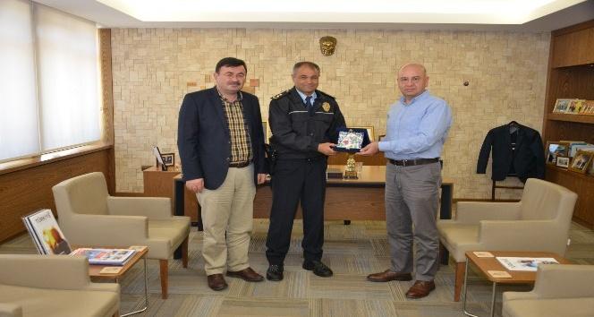 Müdür Şenol Bezek'ten, Belediye Başkanı Saraoğlu'na veda ziyareti