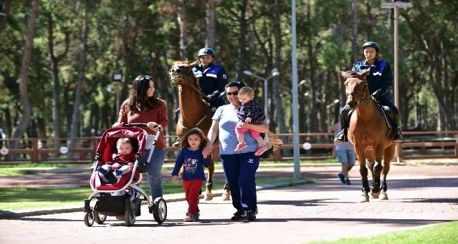 Antalya'da 'Atlı Zabıta Birimi' göreve başlıyor