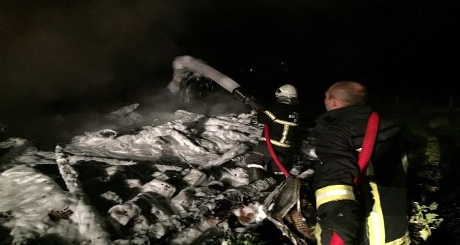 Zonguldak'ta yanan bir ev küle döndü