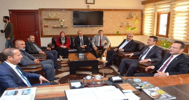 Vali Aksoy'dan Başkan Toltar'a ziyaret