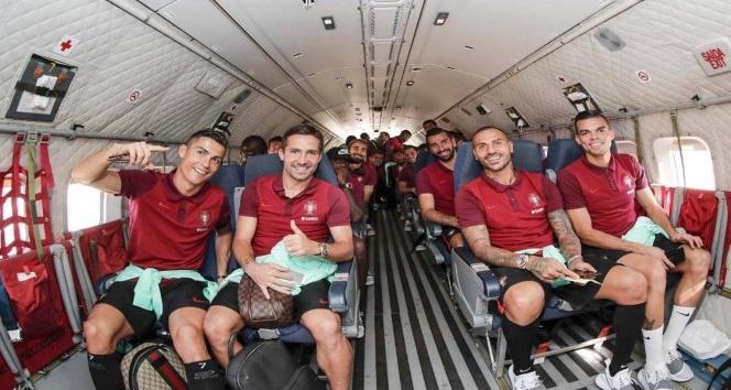 Portekiz, deplasman maçına askeri uçakla gitti